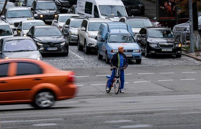 Как добраться на работу в локдаун в Киеве с 5 апреля. Фото: УНИАН