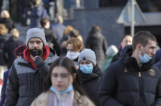 Будут ли вводить в Украине тотальный локдаун, чрезвычайное положение и комендантский час. Фото: УНИАН