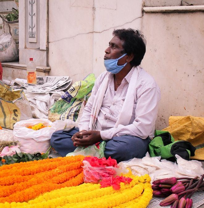 Що відомо про спалах коронавірусу в Індії. Фото: unsplash / Deepak Choudhary