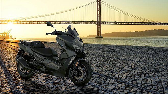 Топ-5 новинок скутерного сезона-2021. Обновлённый круизёр BMW C 400 GT. Фото: BMW