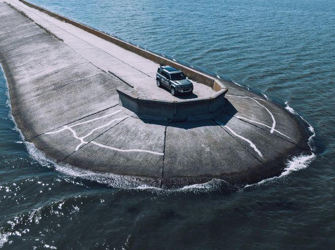 Тест-драйв Land Rover Defender: даже COVID не остановит его страсть к приключениям. Фото: Артём Петренко