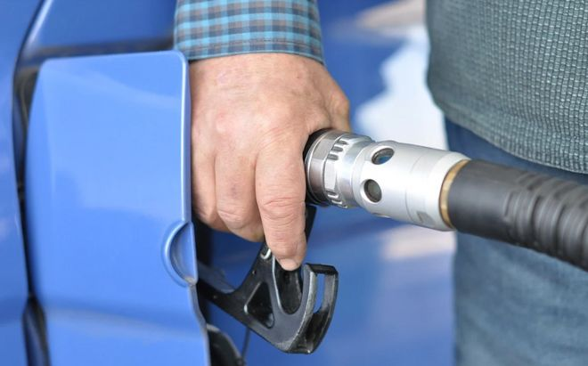 Зупинення продажу бензину та дизпалива: Кабмін відповів ВОГ, ОККО, КЛО та СОКАР. Фото: pixabay /  JirkaF