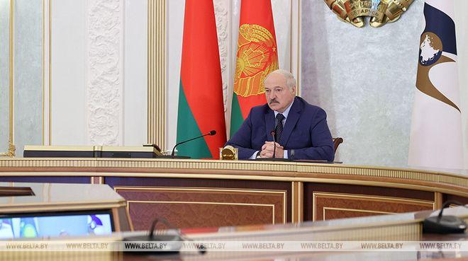 Лукашенко жорстко обмежив роботу ЗМІ та протести