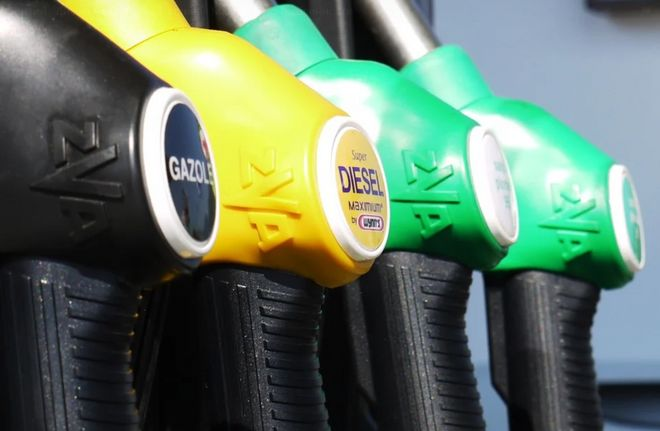 Gasoline prices in Ukraine: what the consequences of suspending supplies of Belarusian fuel will be. Photo: pixabay / ResoneTIC