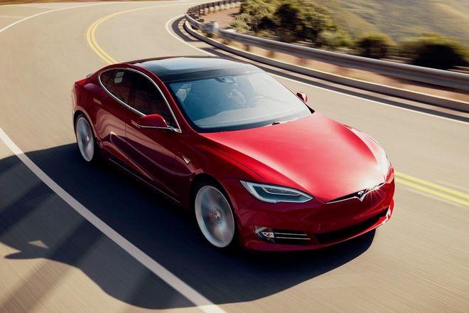Тримоторний Tesla S Plaid: ціна, фото, характеристики. Фото: Tesla