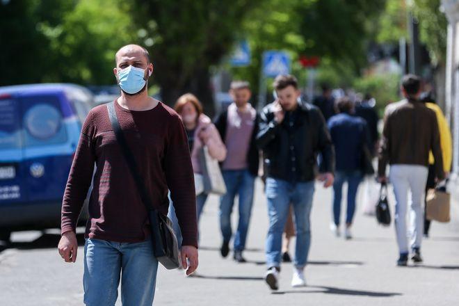 Адаптивный карантин в Украине до 31 августа 2021 года: ограничения и возможности. Фото: УНИАН