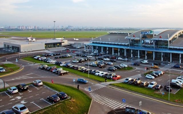 Kyiv International Airport plans to lengthen the runway by 500 m. Photo: ZborDirect