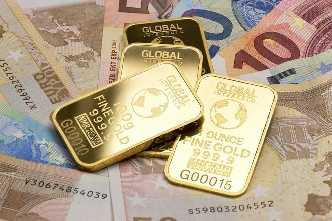 New regulations for purchasing currency, gold, and stocks in Ukraine: how to buy them. Photo: pixabay