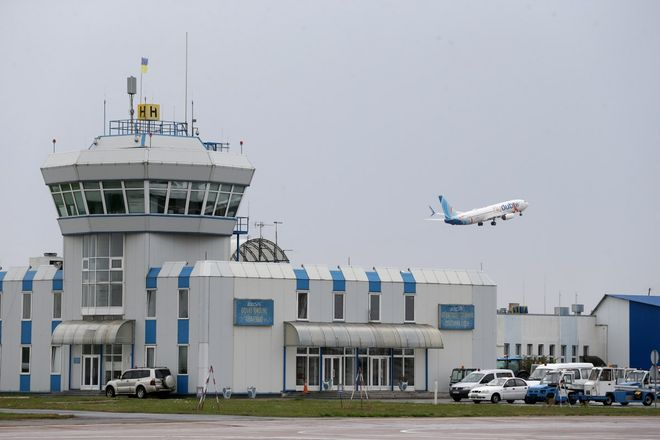 """Three problems of """"Boryspil"""": what makes it difficult for tourists to get to the airport. Photo: UNIAN"""