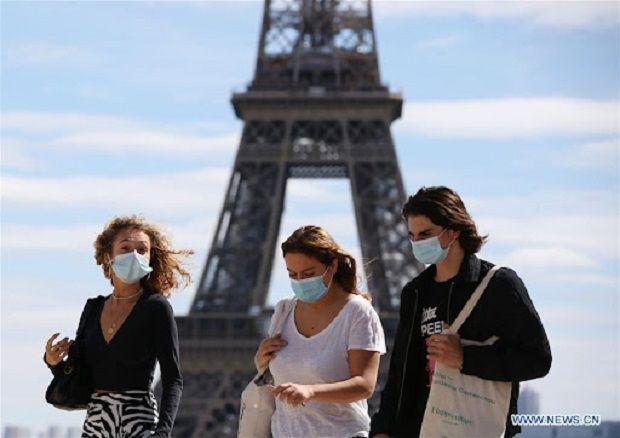 Франция разрешила въезд для туристов из Украины