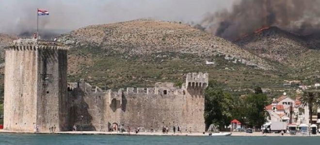 Лесные пожары 2021: огонь вспыхнул в Хорватии. Фото: Jutarnji.hr.
