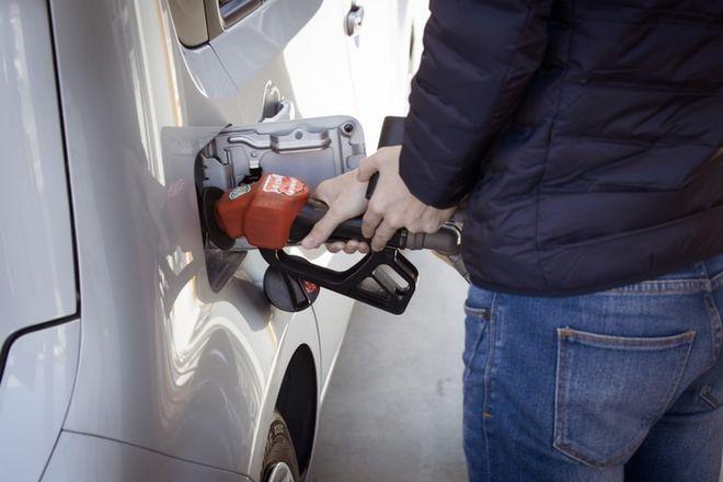 Цена на бензин и дизтопливо в середине августа 2021 года. Фото: unsplash / @ sippakorn