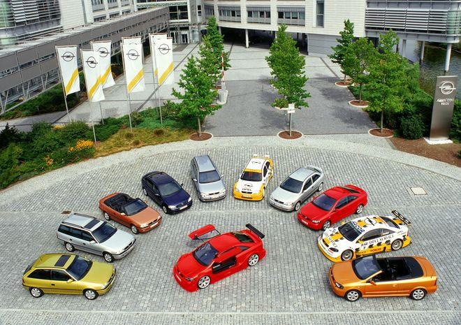 30-летие Opel Astra: чем прославился легендарный автомобиль. Фото: Opel