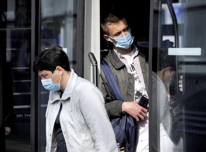 Новая волна коронавируса в Украине и карантин: когда ждать. Фото: УНИАН