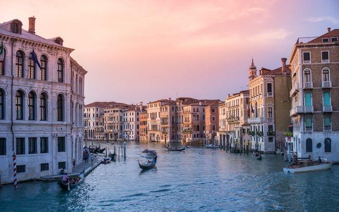 Нові правила в'їзду до Італії з 31 серпня до 25 жовтня 2021 року. Фото: unsplash / @ rrebba