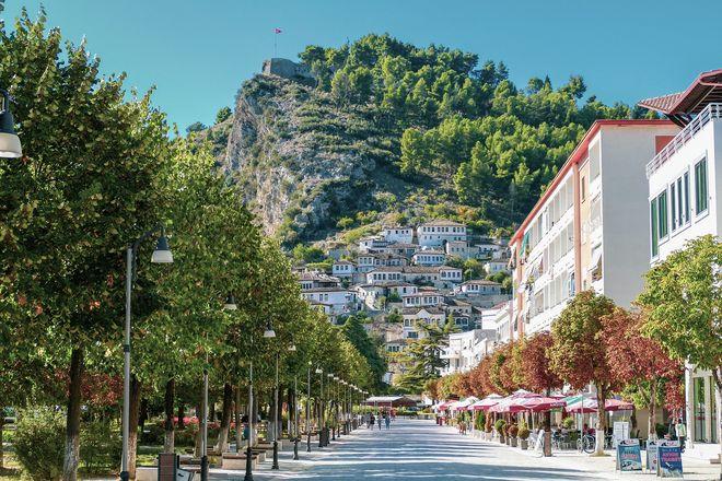 Албанія змінила правила перетину кордону: які довідки необхідні. Фото: pixabay