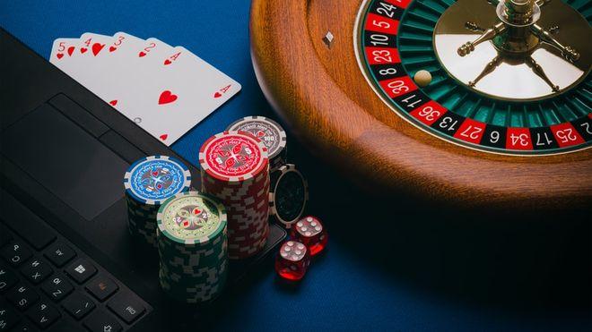 Как в Украине зарождается responsible gambling. Фото: unsplash / @ aidanhowe