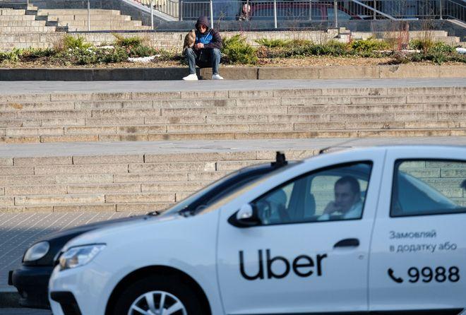 Чому зростають ціни на таксі: відповідь Uklon і Bolt. Фото: УНІАН