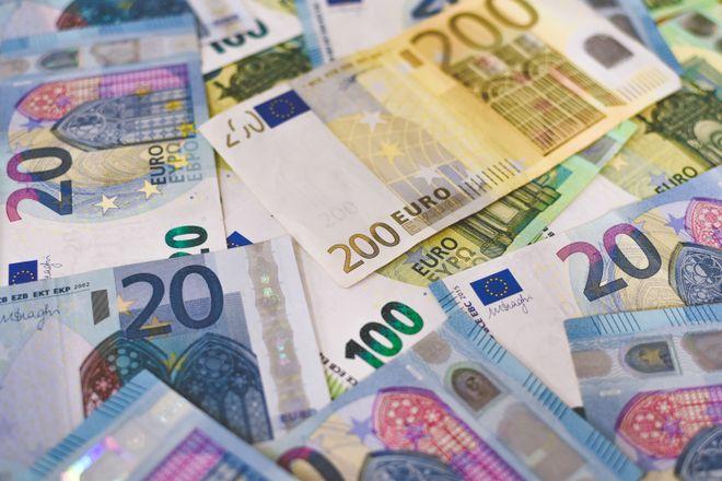 Ирландия и Эстония введут минимальный налог в 15% для крупных транснациональных компаний. Фото: Ibrahim Boran / Unsplash