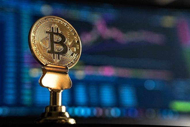 Цена биткоина выросла до $57,5 тысяч. Фото: Flickr