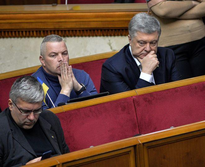 Петр Порошенко (справа). Фото: УНИАН